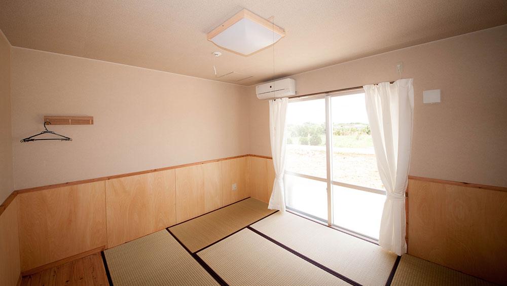客室8畳間|宮古島の民宿 あがりの宿さんさーら