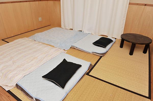 布団二枚|宮古島の民宿 あがりの宿さんさーら
