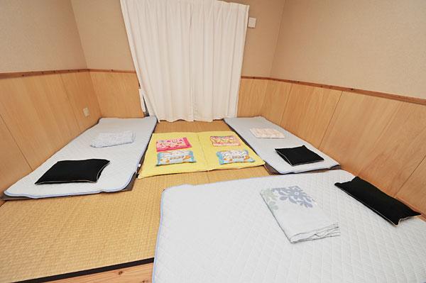 布団3枚+ベビー2枚|宮古島の民宿 あがりの宿さんさーら