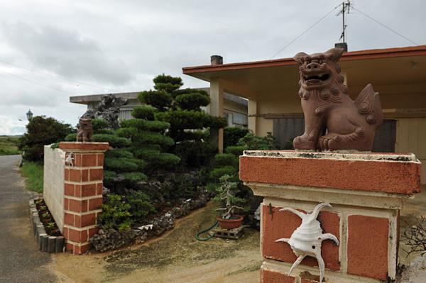 シーサーとスイジガイ|宮古島の民宿 あがりの宿さんさーら