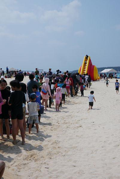 前浜ビーチ、海開き