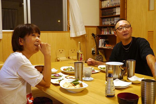 夕食の風景|宮古島の民宿 あがりの宿さんさーら