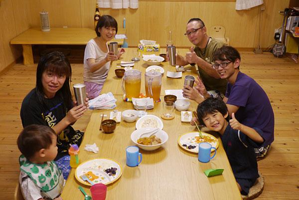 ゲストとゆんたく|宮古島の民宿 あがりの宿さんさーら