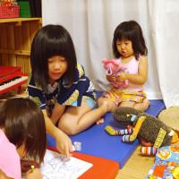キッズスペースと子供たち 宮古島の民宿 あがりの宿さんさーら