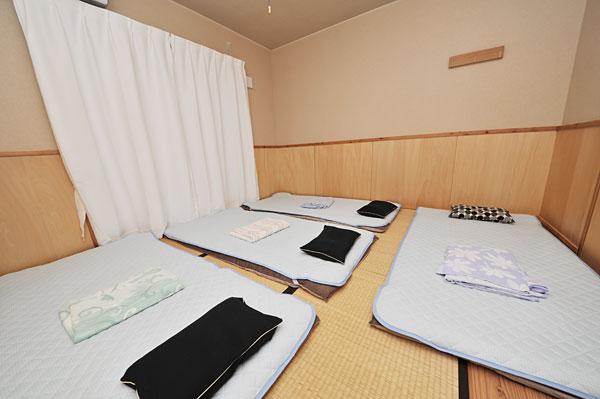 布団4枚|宮古島の民宿 あがりの宿さんさーら